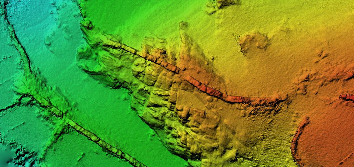 Modelos 3D con drones mediante vuelo de Pix4D y fotogrametría Agisoft