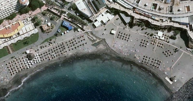 Playas nudistas a vista de imagen aérea con Google Earth