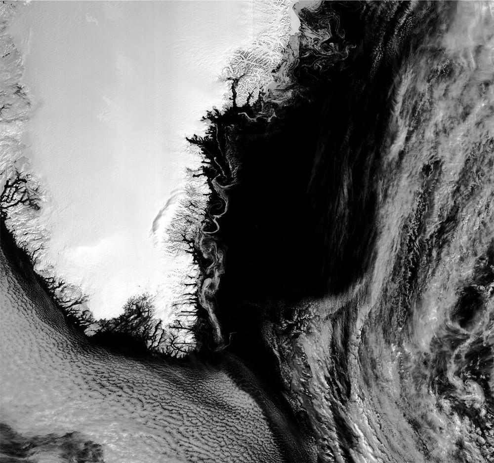 Imagen Satélite Sentinel 3B de remolinos de hielo en Groenlandia